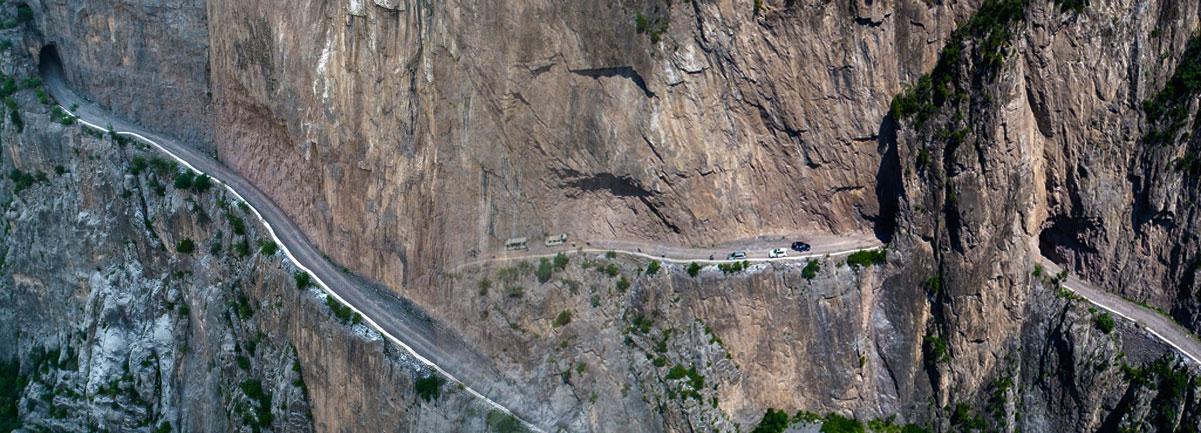 """【""""飛閱""""中國】絕壁行走 山西有這樣一條神奇的天路"""
