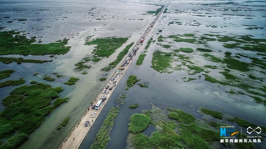 """鄱陽湖再現""""水上公路"""""""