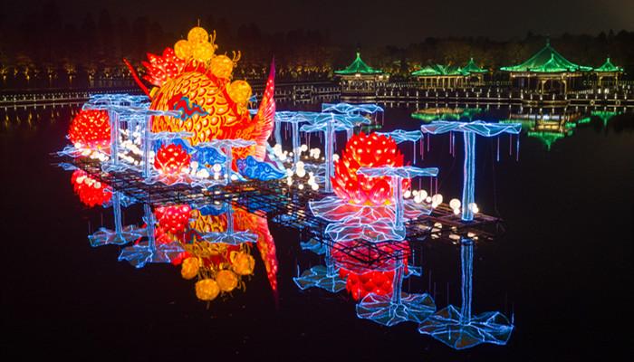 東湖燈會亮燈啦 流光溢彩滿滿年味兒