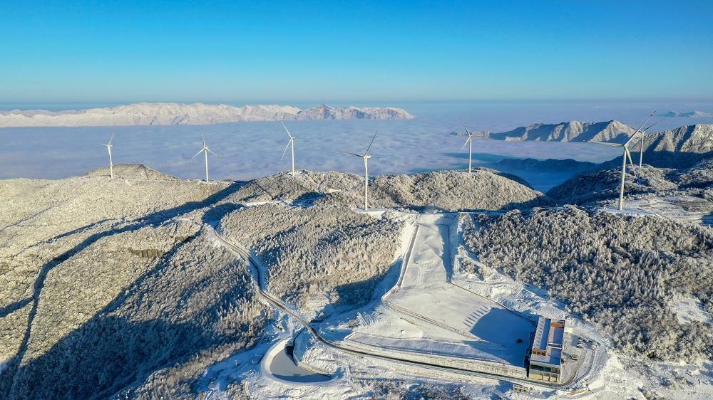 冰雪激情 鳥瞰湖北五峰高山滑雪場