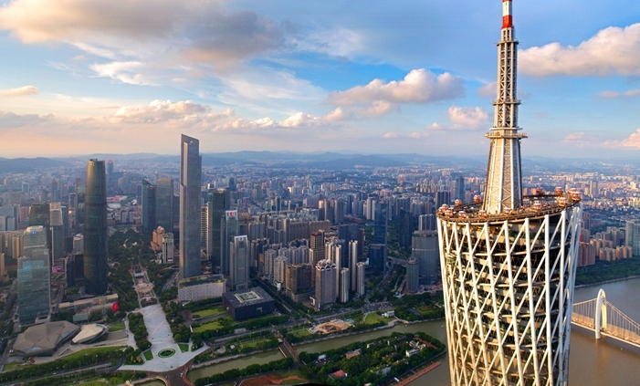 """【""""飛閱""""中國】超越488米 看廣州塔從清晨到落日的搖曳多姿"""