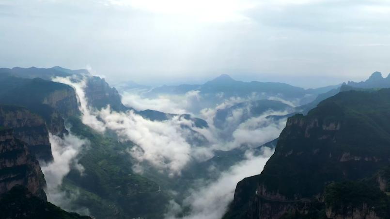 """【""""飛閱""""中國】走進天脊山,遠山如黛景似江南"""