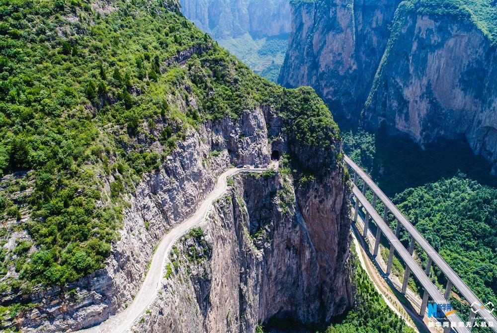 絕壁行走 山西有這樣一條神奇的天路