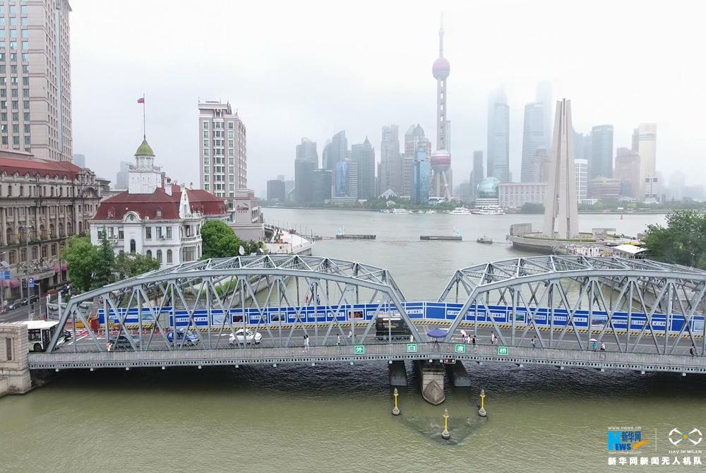 航拍:新華網新聞無人機導航直播車上海首秀