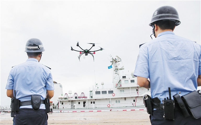 海口邊檢總站派無人機進行空中巡查