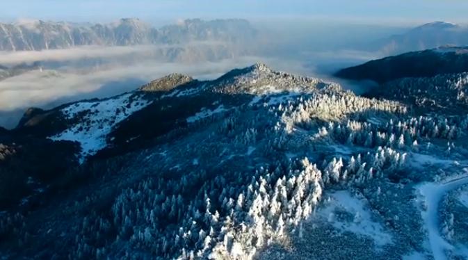 航拍:神農架冰雪霧凇