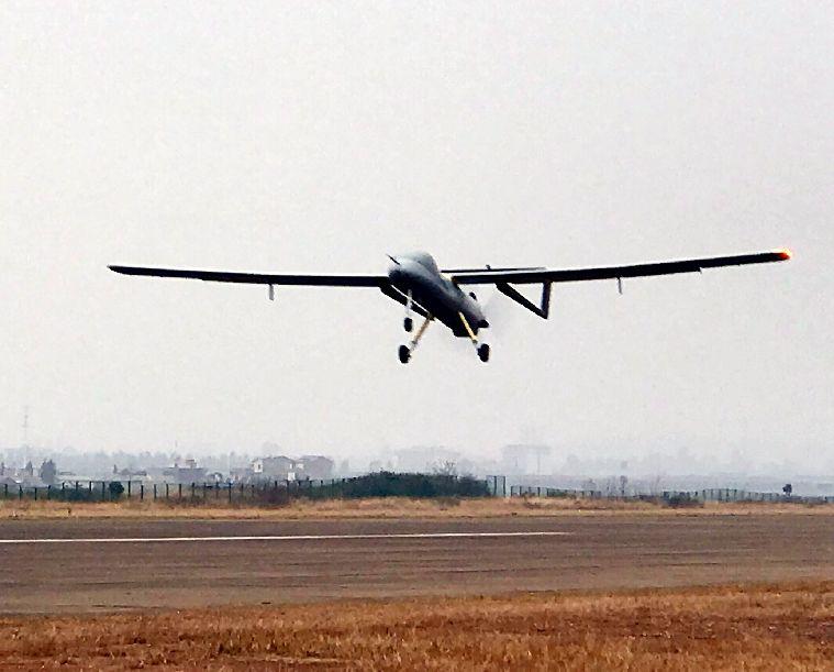 騰盾撲天雕首飛半小時 助力無人機商用